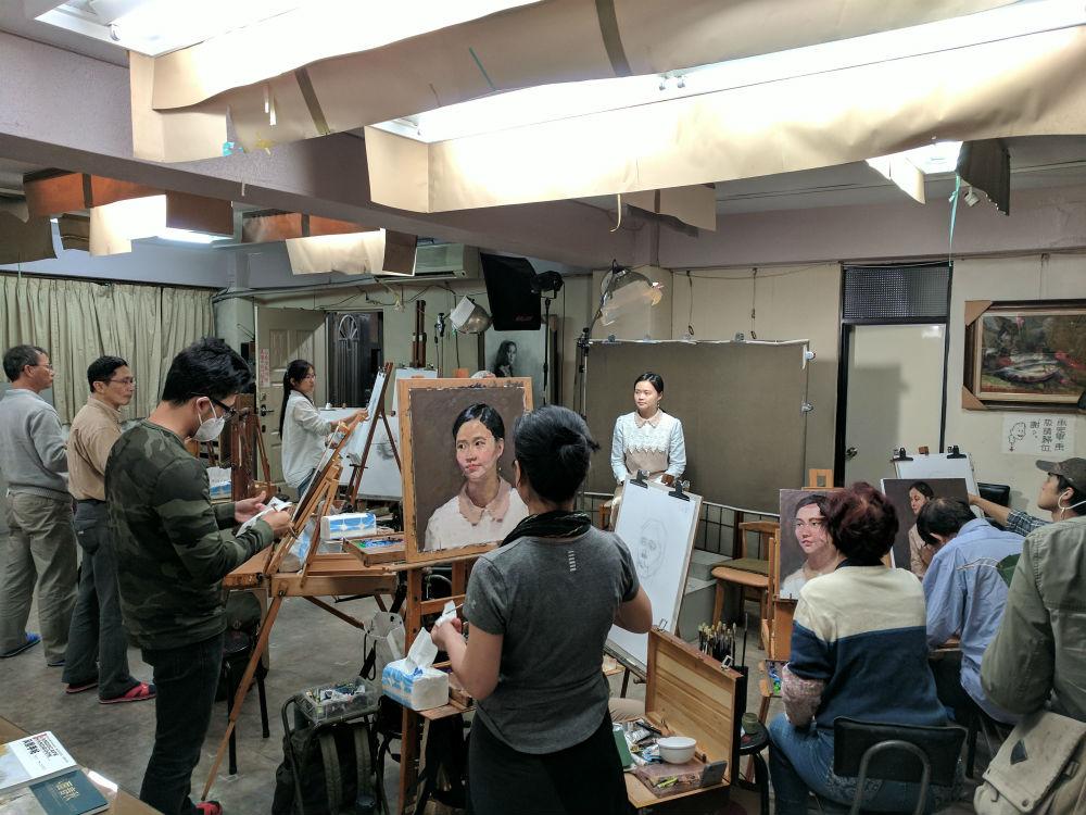 Teaching in Twin Bridge Studio in Taipei