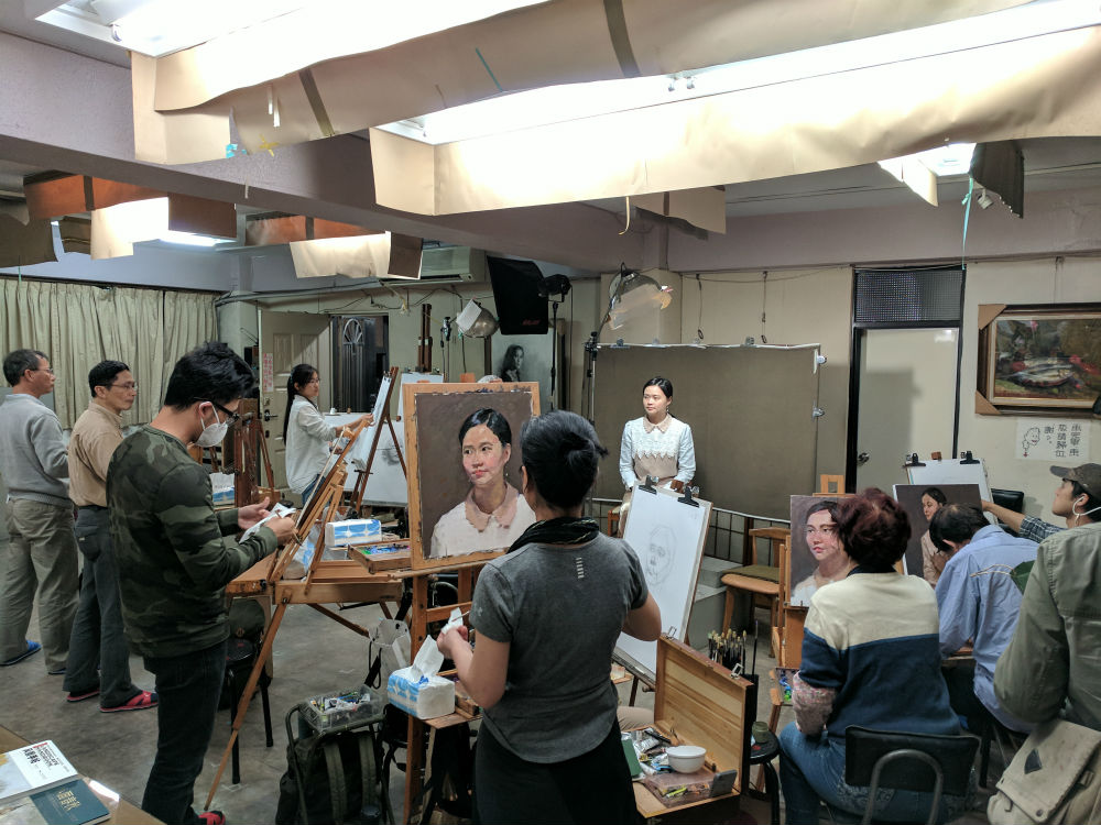 Teaching in Twin Bridge Studio in Taipei
